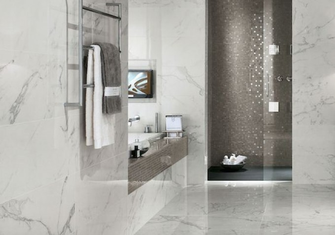 Marble tiles in bathroom